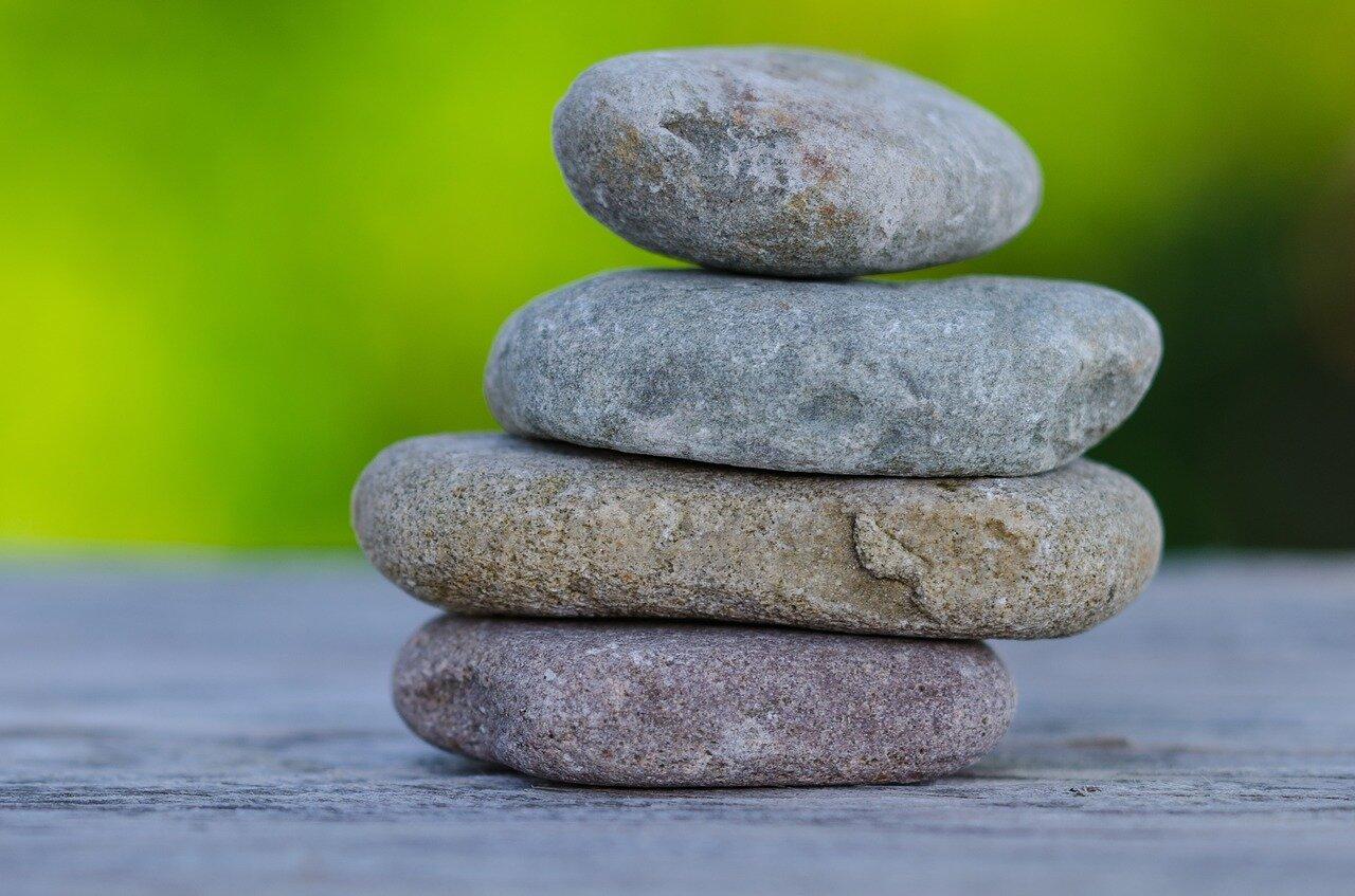 Skorzystaj z hurtowni kamienia i stwórz piękny ogród – kamienie ozdobne mazowieckie